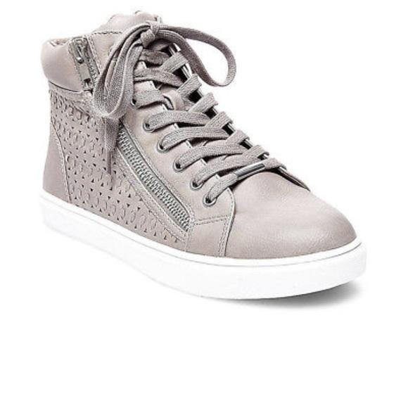 1caf44e8c19 STEVE MADDEN womens Eiris high top sneakers 👟